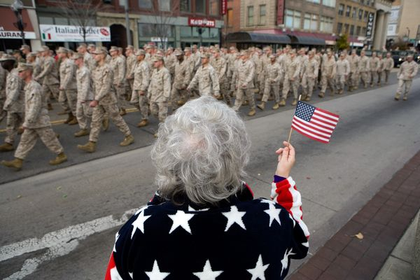 veterans-day-facts-2012-parade_61061_600x450